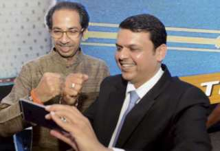 devendra-fadnavis-with-uddhav-thackeray