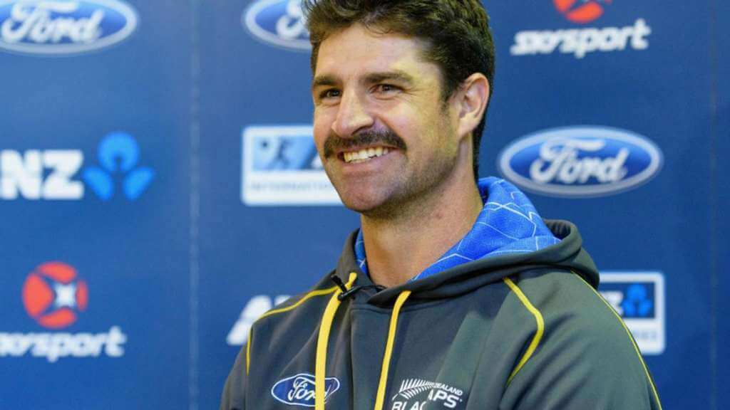 Colin de Grandhomme replaces Russell