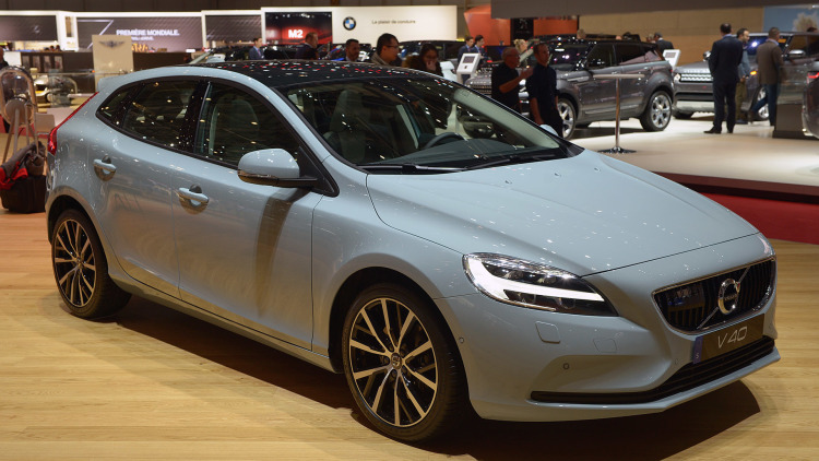 Volvo New V40 Launched