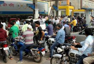 2000-rupee-note-provided-by-petrol-pumps